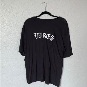 "Black Kendall & Kylie ""VIBES"" T-Shirt"